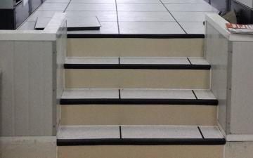 Grada para piso técnico